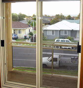 Reduce traffic noise pollution with double glazed windows for How to reduce noise from windows
